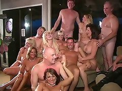 old swingers gets fun sex in party
