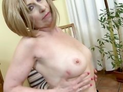 aged mature shows her tits for you