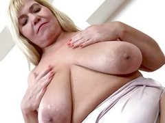 blonde mature creampie